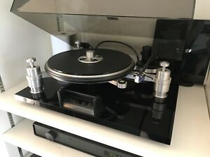 SOLD!! Oracle Delphi mkIV turntable