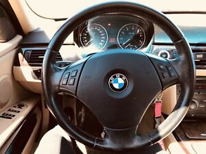 Bmw 325xi.  2006 Incroyable systeme de sons