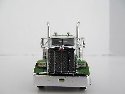 DCP 1/64 SCALE 379 PETERBILT SMALL BUNK (DAY CAB OPT) WHITE,GREEN TOP &  FENDERS 1