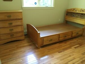 Single captains bed and matching dresser