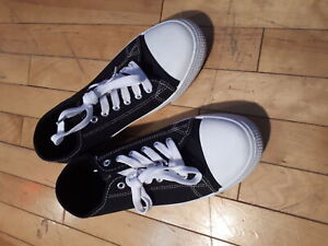 Mens sneakers size 9