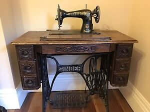 Vintage sewing machine Elsternwick Glen Eira Area Preview