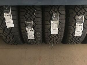 New 275/55R20 dura tracs set of 4 // cash only//