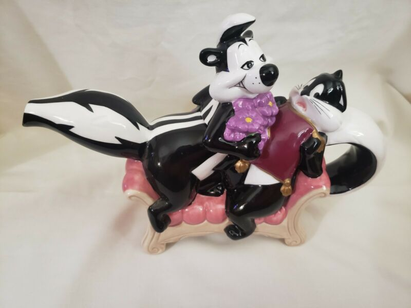 Vtg Pepe Le Pew & Penelope-Couch/Setee TEAPOT 2000 Warner Brothers Looney Tunes