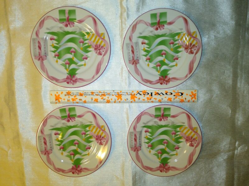 """Sango """"HOME FOR CHRISTMAS"""" 4 each """" Cup & Saucer Set(s)"""" / very good condition"""