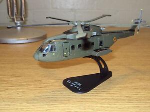 JAMES BOND 007 HELICOPTER SKYFALL AGUSTA WESTLAND AW101 1:100 SCALE BY ITALERI