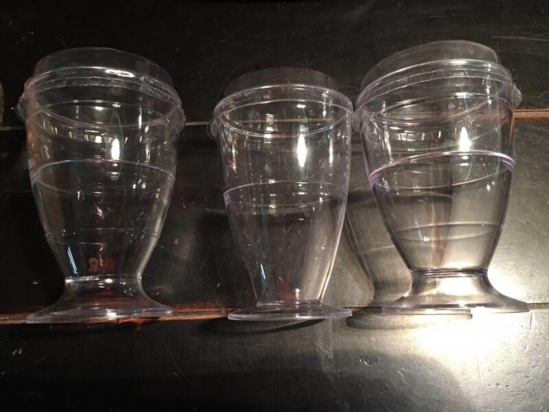 Clear Plastic Cups with lids Parfait Fruit Cups