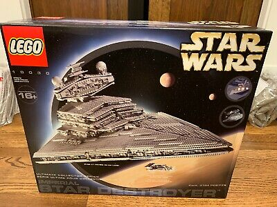 LEGO 10030 UCS Star Wars Imperial Star Destroyer Ultimate Collector Series