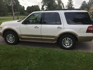2011 Ford Expedition XLT 4x4 Loaded