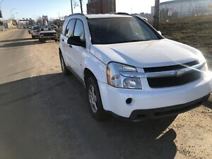 2009 Chevrolet Equinox.  AWD 145000 km with navigation system