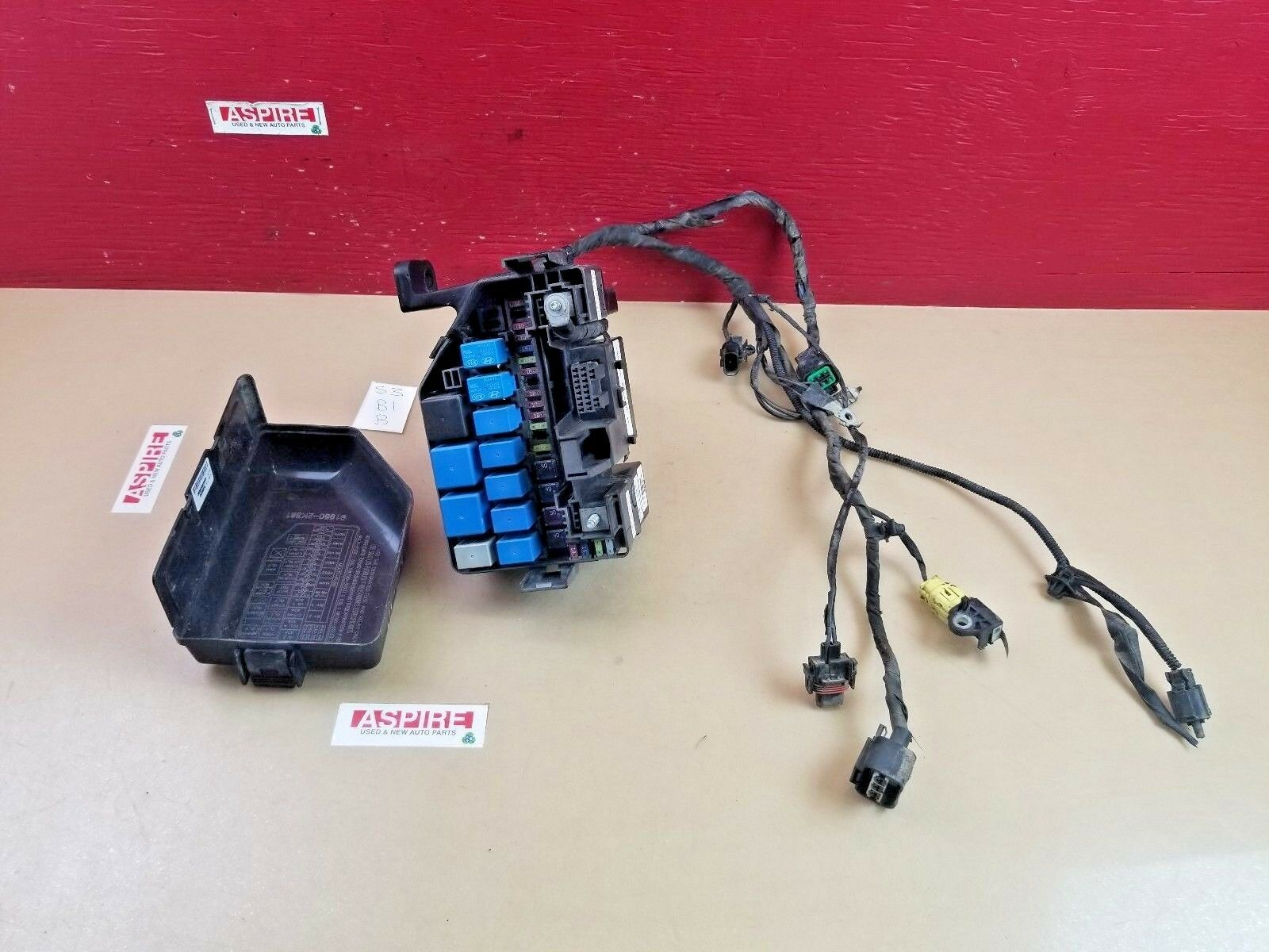 Used 2010 Kia Soul Switches And Controls For Sale Fuse Box 2011 Engine With Harness 912422k105 Oem