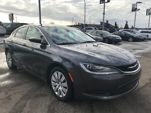 2015 Chrysler 200 LX, Bluetooth, XM Radio, Keyless, Low Km