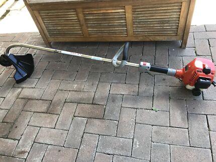 Whipper snipper dolmar lt-250 bush trimmer 2 Stroke like new