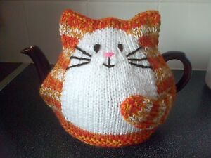 hand knitted ginger stripe cat tea cosy large 2 pint teapot