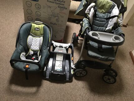Chicco Stroller and infant seat / capsule - excellent  condition