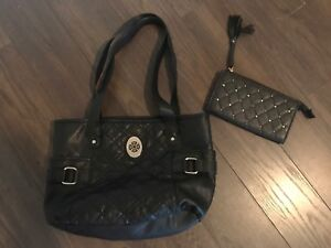 BLACK PURSE WITH MATCHING WALLET