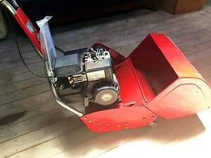 Rover 45 Reel Mower. 3.5HP Briggs & Stratton Motor. Near New. Toolern Vale Melton Area Preview