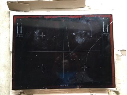 Electrolux Induction Cooktop EHD68210P, Cracked glass top