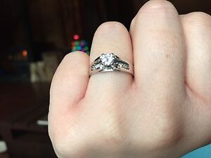 18kt White Gold 4-prong and bead set engagement ring