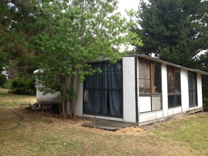 Hunter valley location 27ft on site van and annexe for removal Greta Cessnock Area Preview