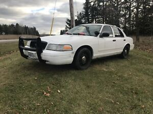 Crown Victoria - FULLY EQUIPPED