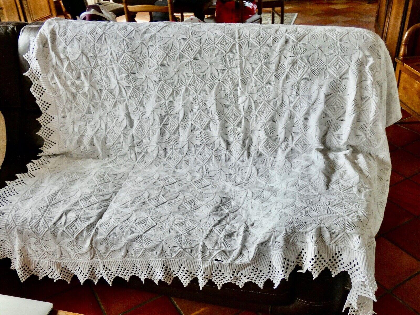 Ancien dessus lit canape coton blanc fait main crochet jolis motifs inacheve