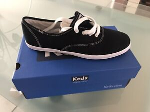 Chaussures NEUVES Keds pour fille (taille 6)