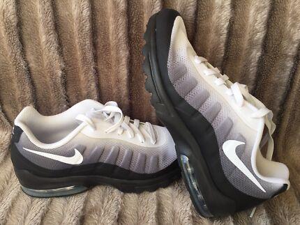 afcc611e5ea36 Brand New Nike Air Max Invigor Print Mens Trainers US8 UK7 EUR41