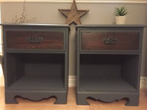 Beautiful solid oak nightstands end tables - like new!!