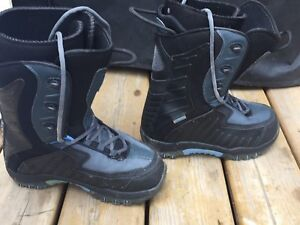 Snowboarding boots size 8 for sale!