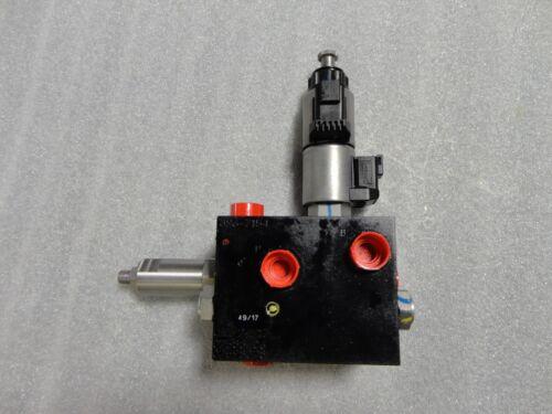 Caterpillar Paving Products 3967154 Hydraulic Valve; Bank 2 GP Valve 396-7154