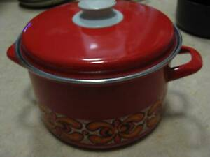 Vintage Retro Red Floral Enamel Pot Soup Kitchen Table Cook Ferntree Gully Knox Area Preview