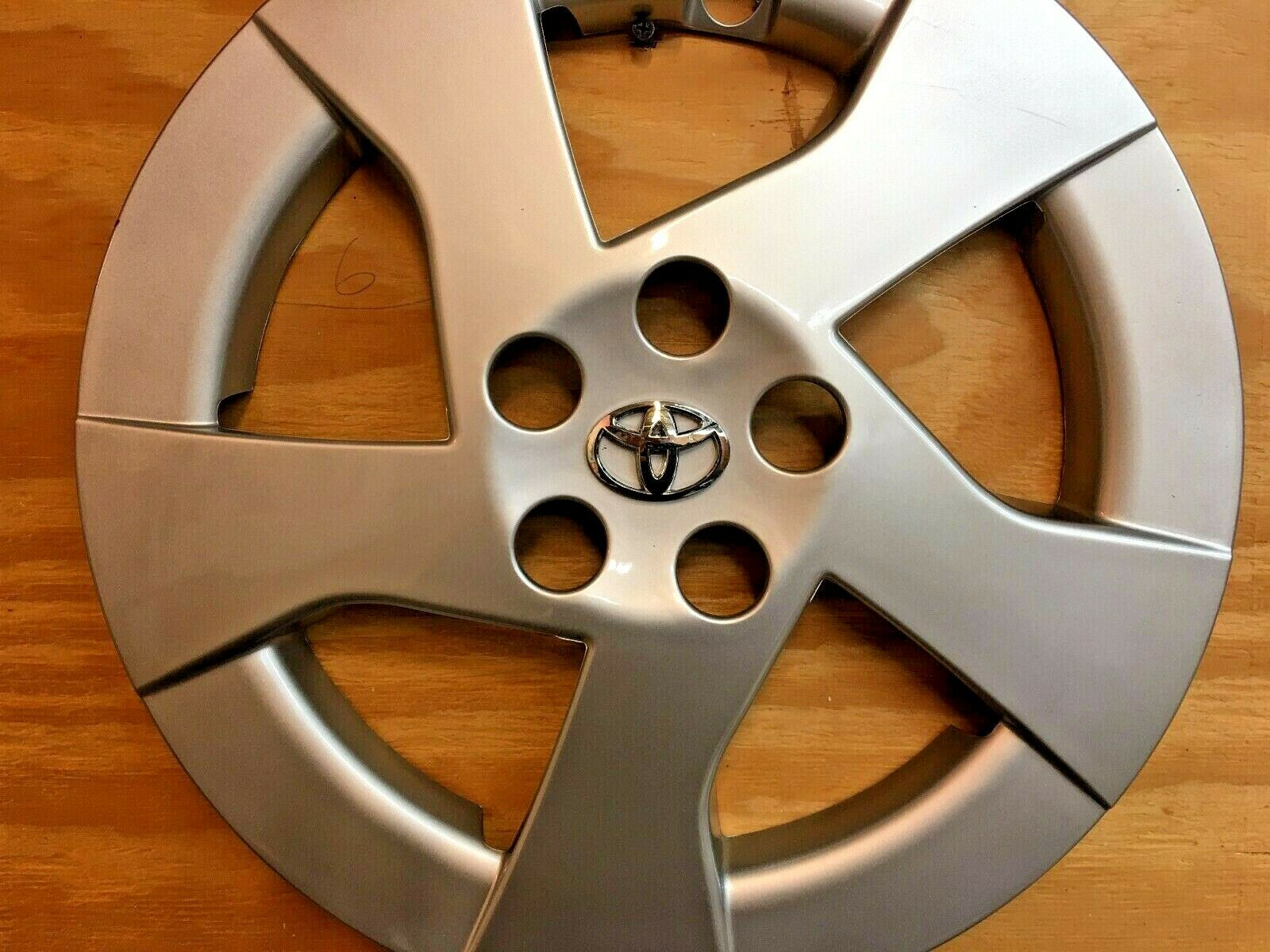 Owner 1 Replacement Hubcap for Toyota PRIUS 2010 - 2011 15