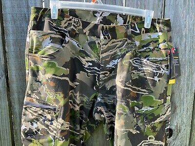 NEW  Womens Under Armour Realtree Camo Field Hunting Pants NWT Size 4 and 8