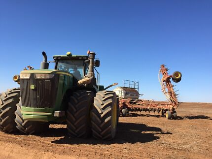 Skilled machinery operating couple looking for work NSW,QLD,SA,VI Young Young Area Preview