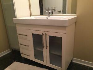 Meuble vanité salle de bain avec armoire de rangement