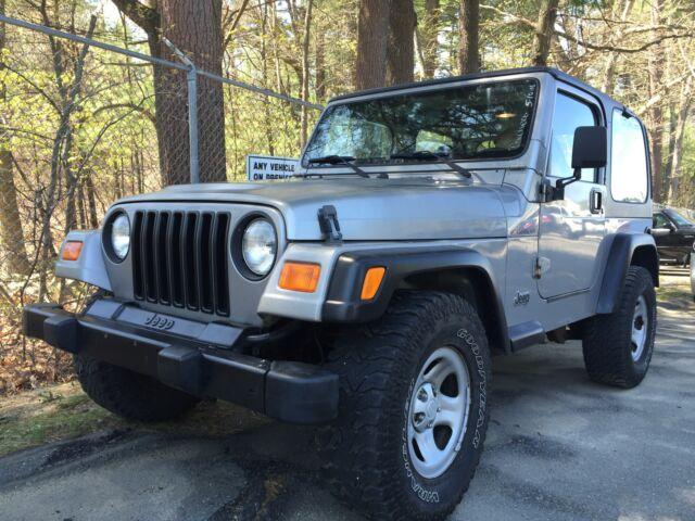 Imagen 2 de Jeep Wrangler silver