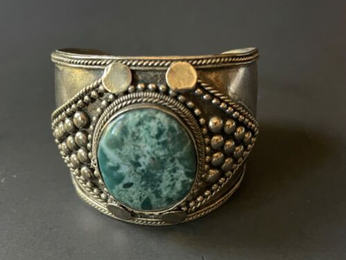 Vintage wide silver tone handmade cuff bracelet with green agate