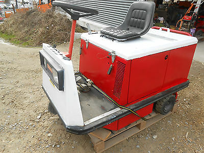 Gutbrod B 1000S Kehrmaschine Aufsitzkehrmaschine