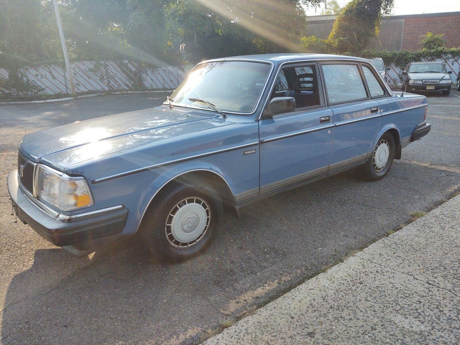1986 Volvo 240 Sedan