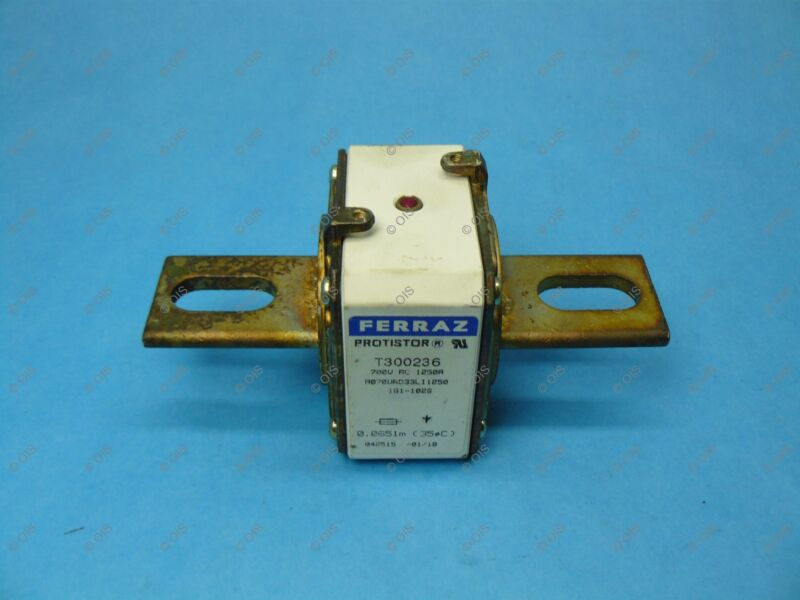Ferraz T300236 Semiconductor Fuse A070UD33LI1250 PSC SQ Body 1250 Amps 700V