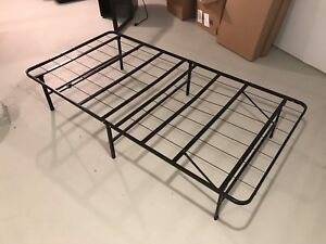Twin Size Bed: Frame, Mattress, Sheets