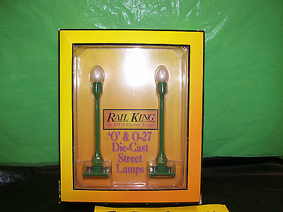 MTH Pea Green Street Lamp Set Die Cast Metal # 580-1 For O Gauge & Stand. Gauge