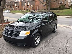 Dodge Caravan 2010 - Black - Low Mileage