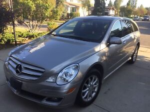 2007 Mercedes R-350 fully loaded (low Miles)