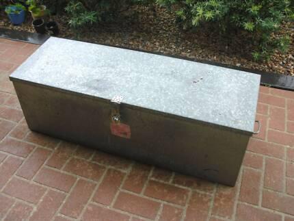 Ute tool box