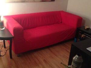 Sofa rouge Ikea 75$