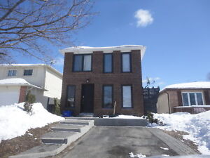 Barrie, 5 bedrooms, ready for early March