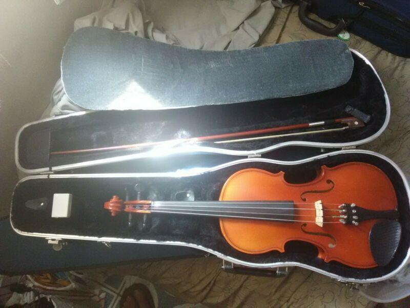 Giuseppi Meucci 4/4 Strad copy violin.Glasser bow,hard case&rozen.Excel. cond.