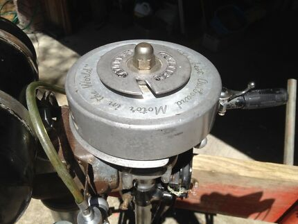 SEAGULL Vintage Outboard Motor
